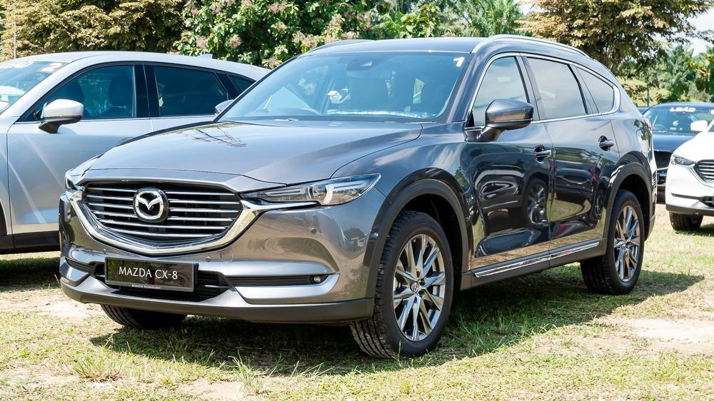 2019 Mazda CX-8 front quarter shot