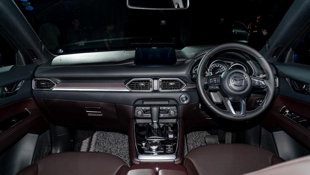Mazda CX-8 03