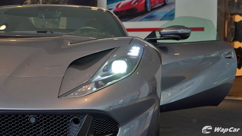 2020 Ferrari 812 GTS Exterior 005