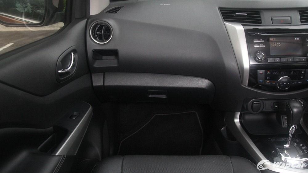2018 Nissan Navara VL 2.5 (A) Interior 003