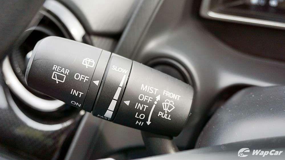 2018 Mazda 2 Hatchback 1.5 Hatchback GVC Mid-spec Others 010