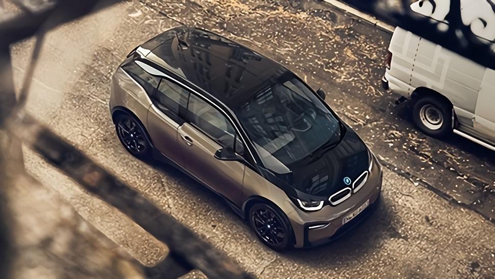 BMW i3s (2019) Exterior 009