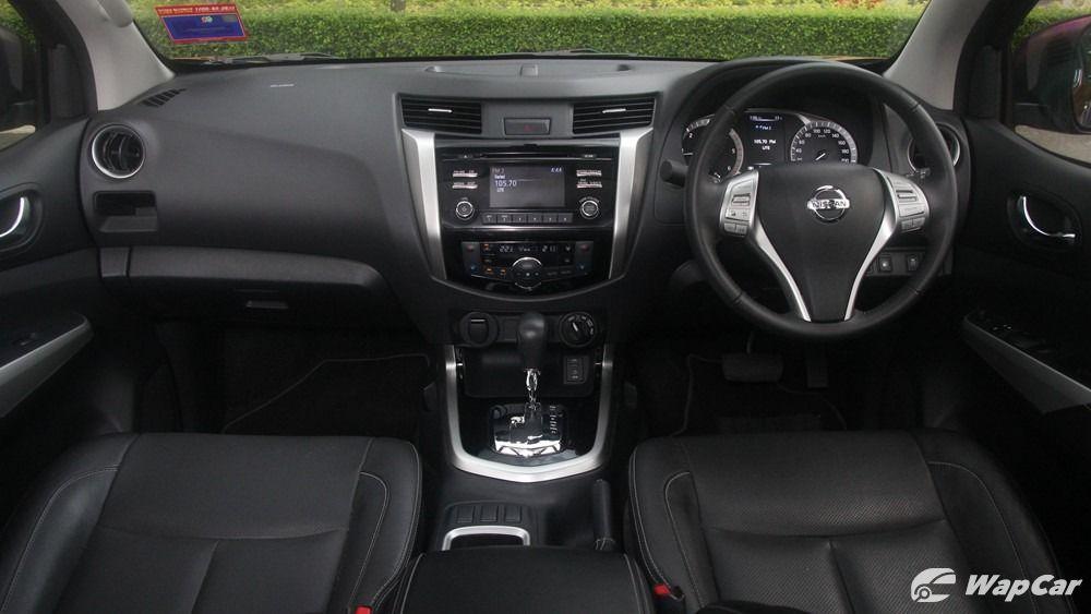 2018 Nissan Navara VL 2.5 (A) Interior 001